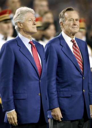 http://www.welfarestate.com/unite/bush-clinton/bush-clinton-superbowl05.jpg